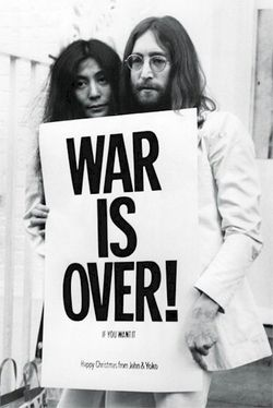 Music-beatles-john-lennon-yoko-ono-war-over-poster-PYR32563