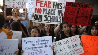 La-na-florida-school-shooting-protests-20180217